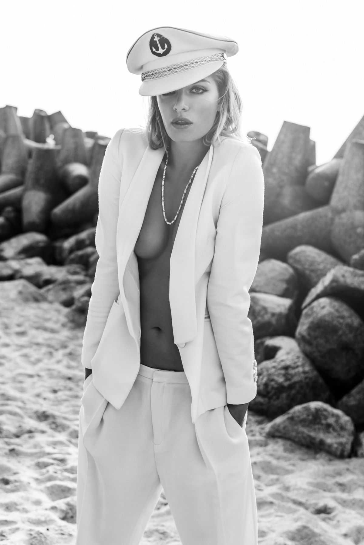 Tatána Kucharová sexy cleavage
