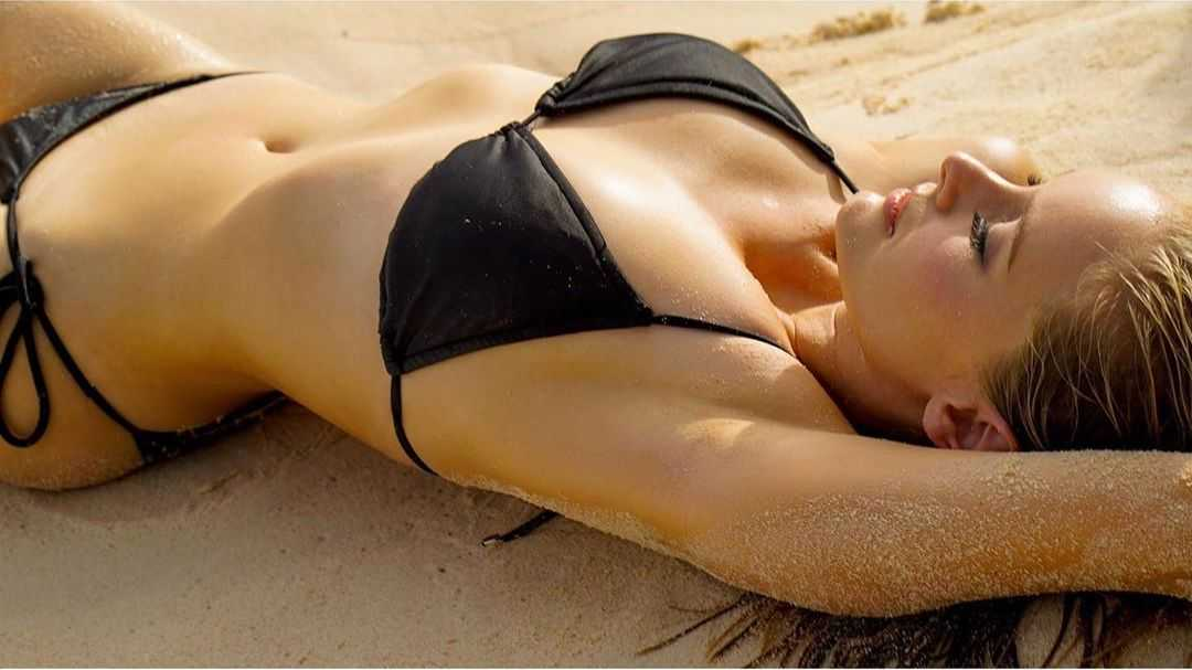 Taylor Black bikini