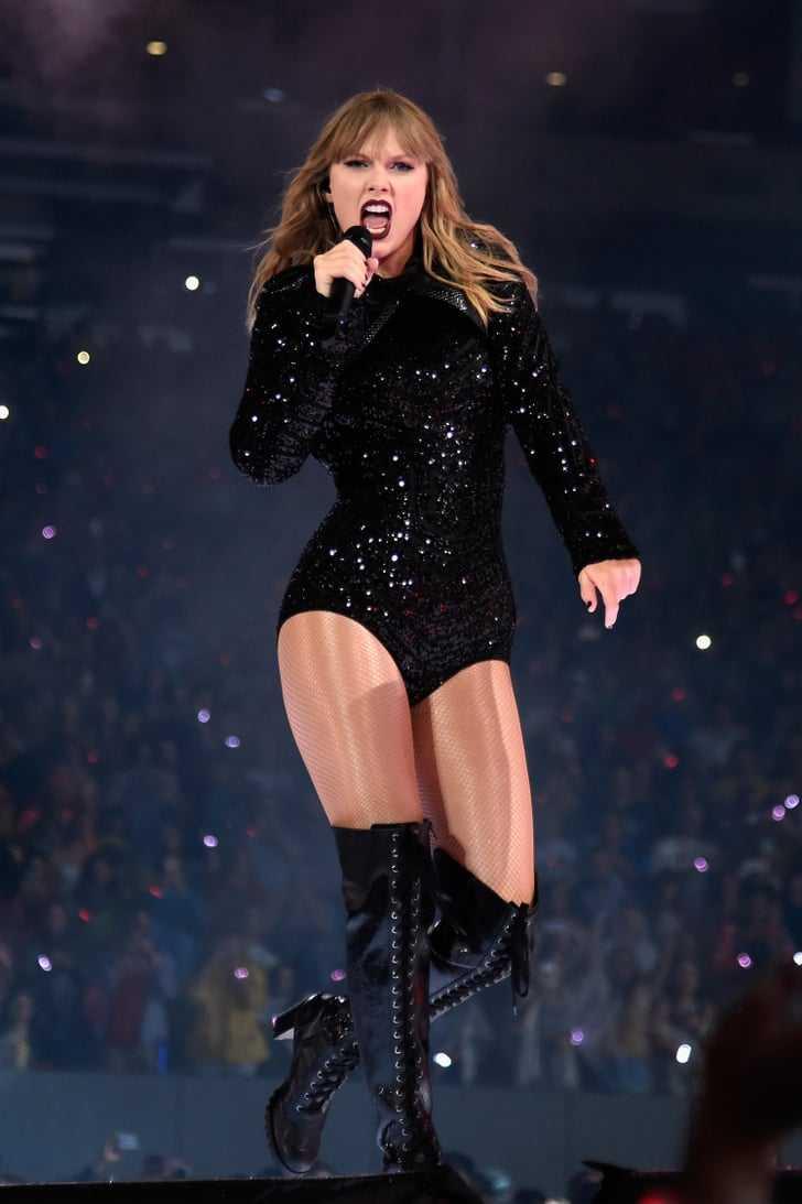 Taylor Swift stunning