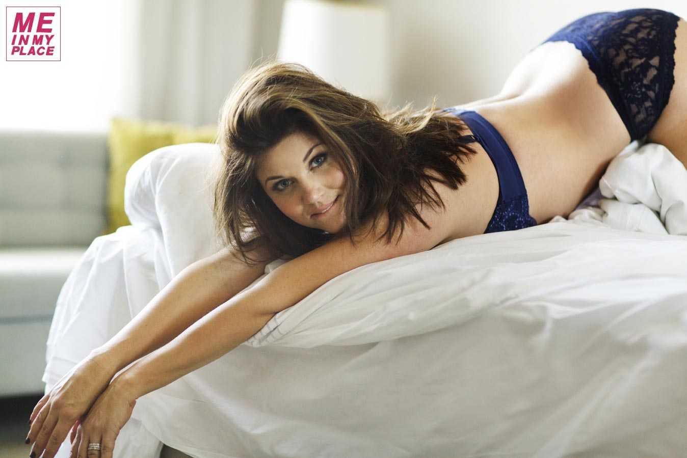 Tiffani Thiessen hot photo
