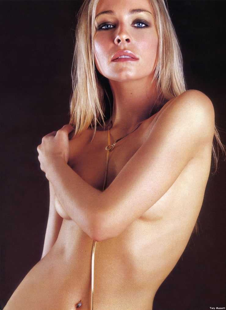 Tory Mussett topless pic