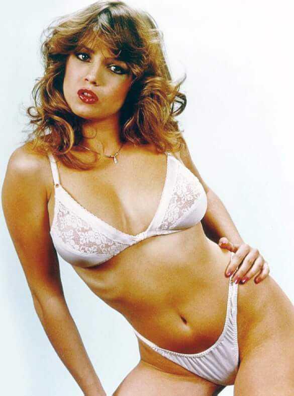 Traci Lords sexy bikini