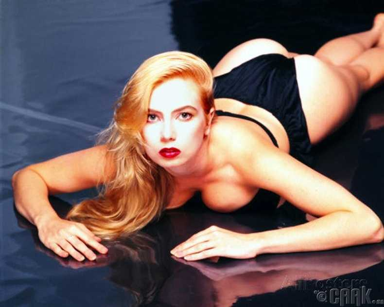 Traci Lords sexy pictures
