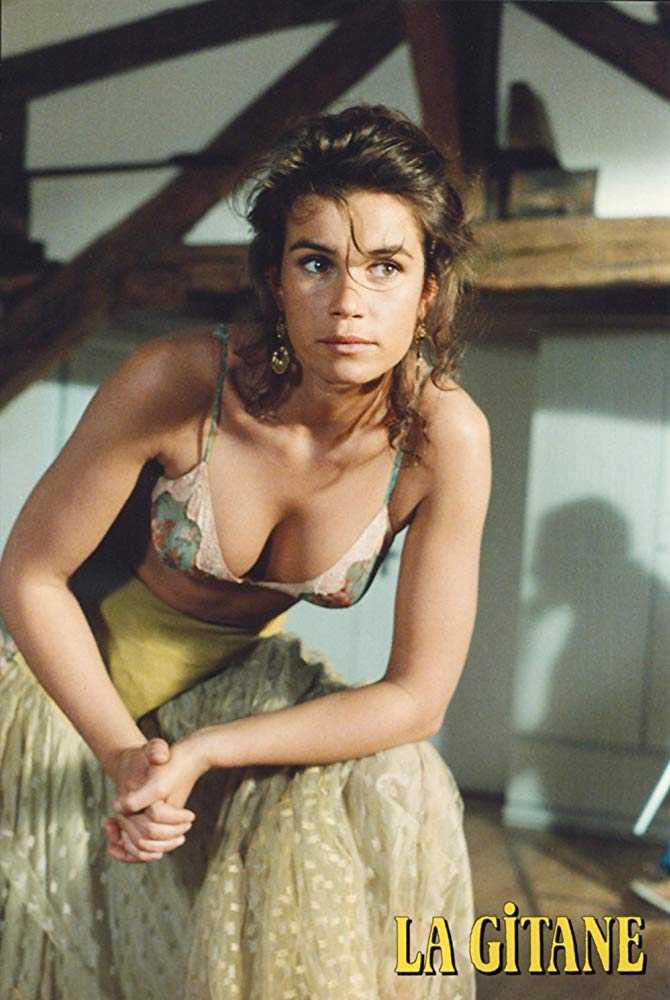 Valérie Kaprisky hot cleavage