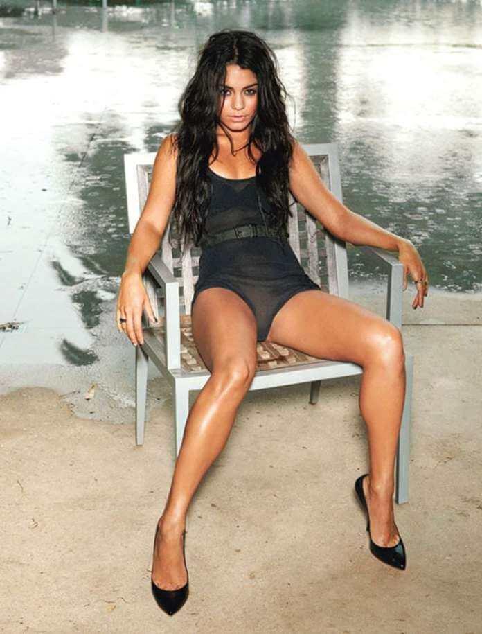 Vanessa Hudgens hot feet