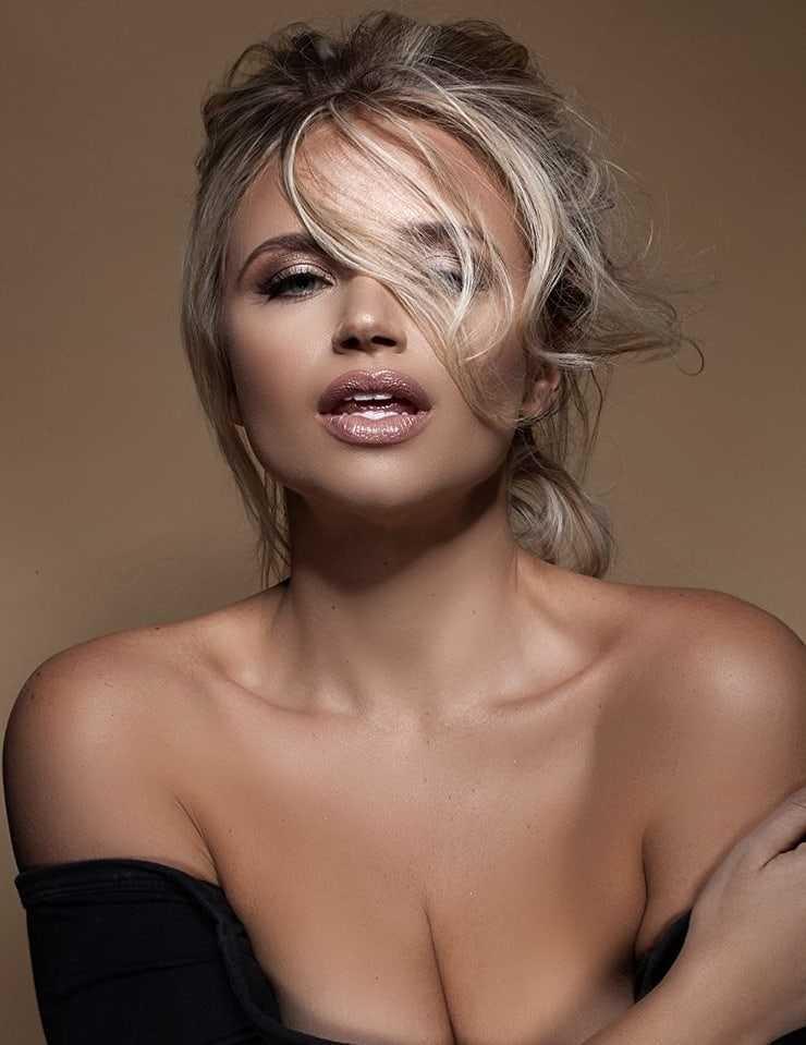 Veronika Dash hot photos