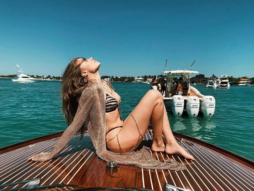 Xenia Tchoumitcheva sexy bikini