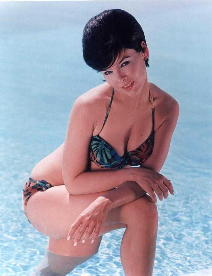 Yvonne Craig cleavage pic