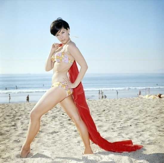 Yvonne Craig hot pics