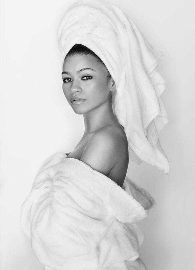 Zendaya stunning