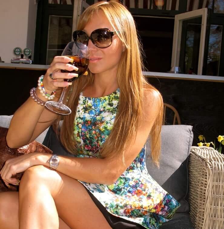 charlotte perrelli thighs