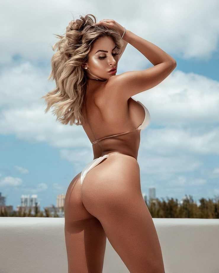 khloe terae big butt