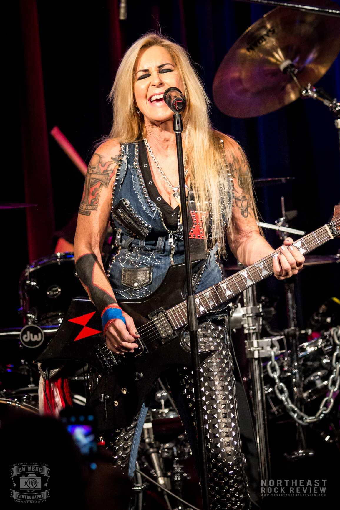 lita ford on the mic