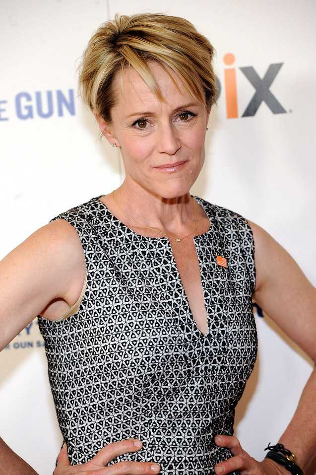 mary stuart masterson looking old
