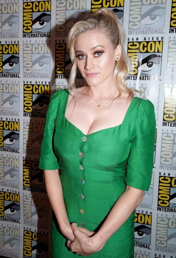 olivia taylor dudley green dress