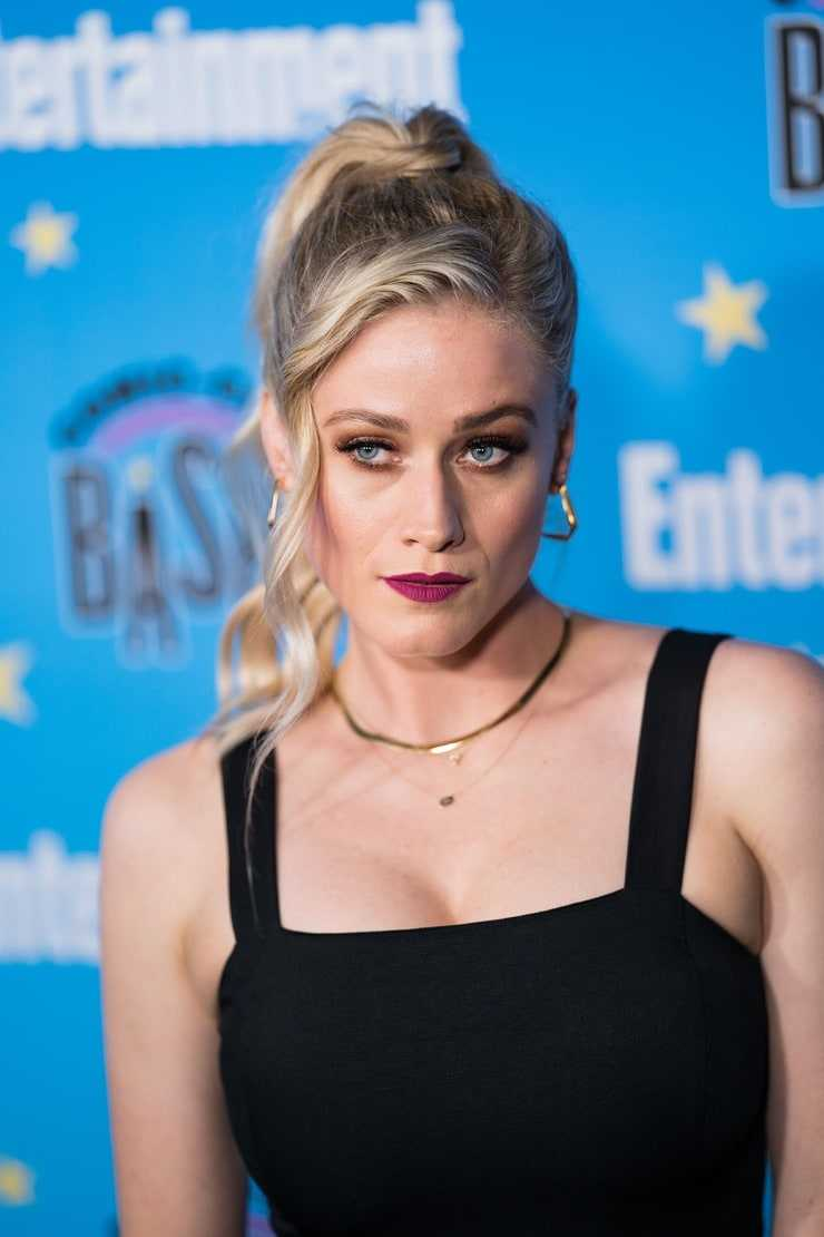 olivia taylor dudley looking hot