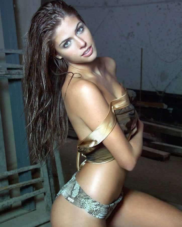 stephanie cayo sexy