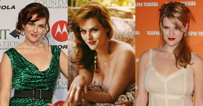 61 Sara Rue Sexy Pictures Are A Charm For Her Fans
