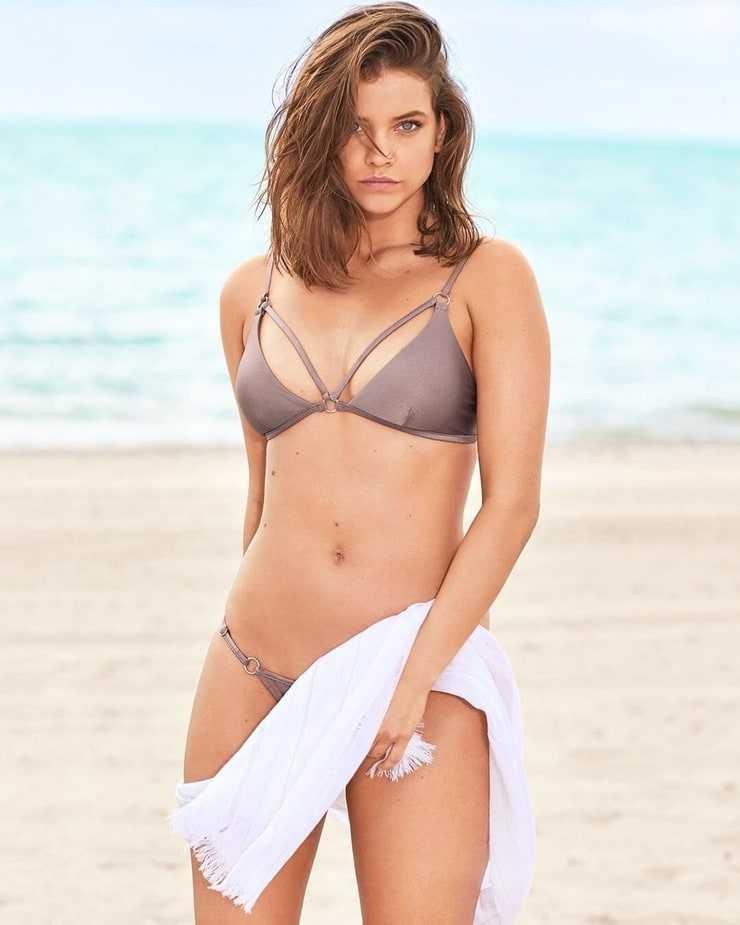 Barbara Palvin cleavage