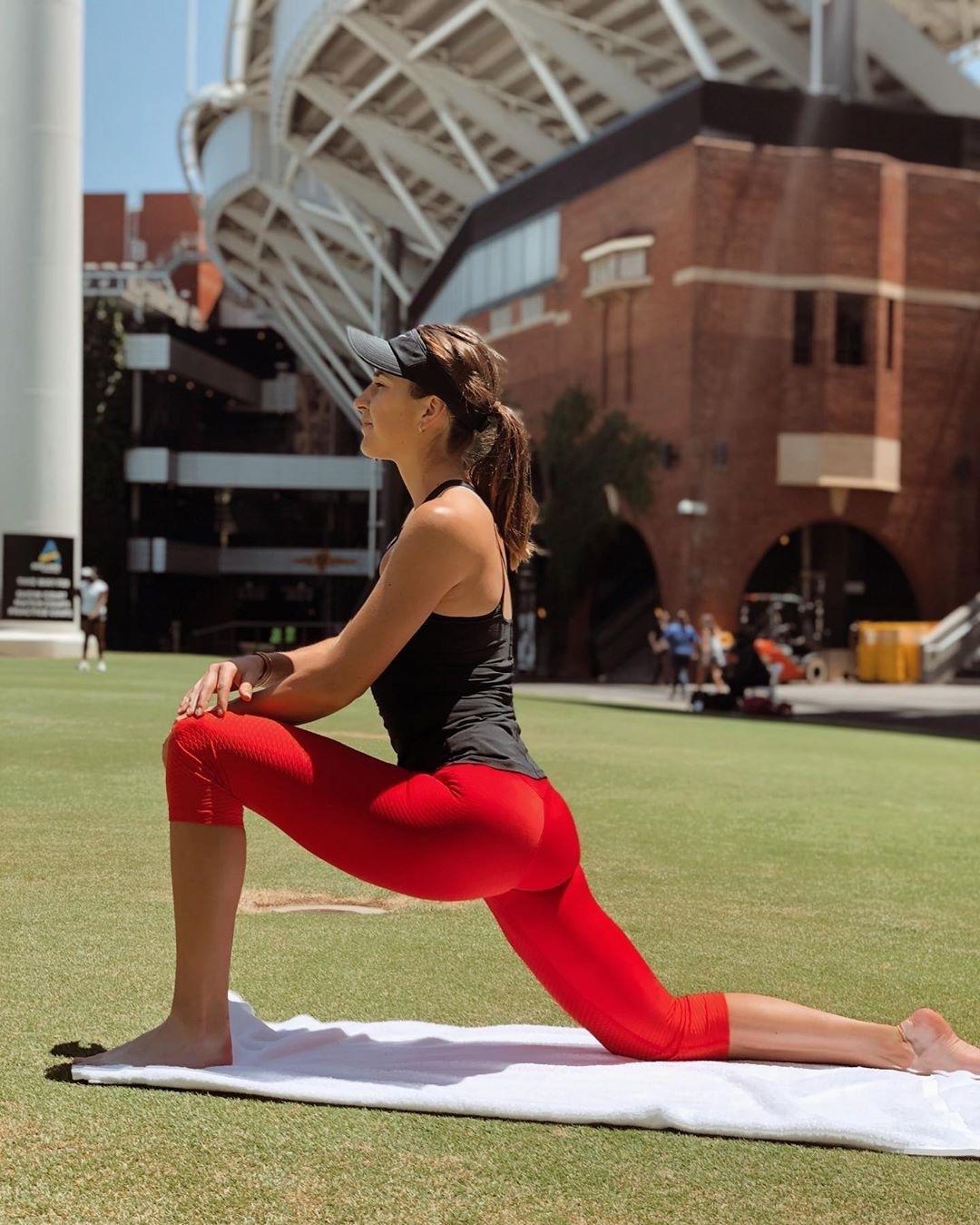Belinda Bencic butt