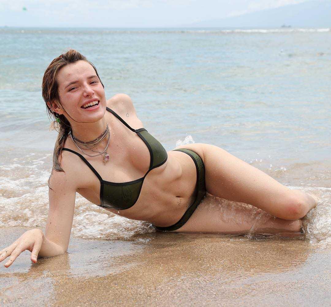 Bella-Thorne-sexy-bikini-pics-3
