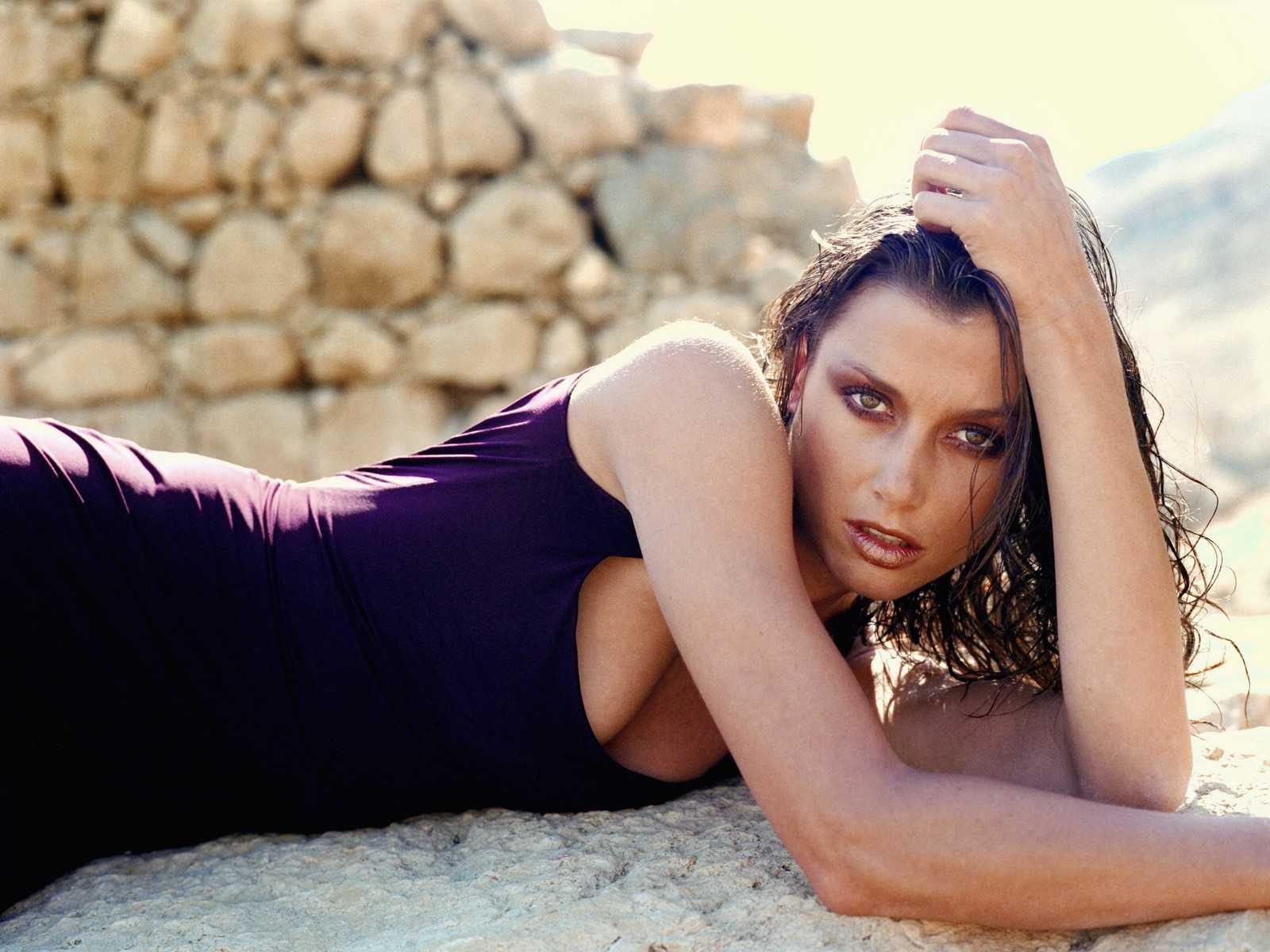 Bridget Moynahan hot pics (2)