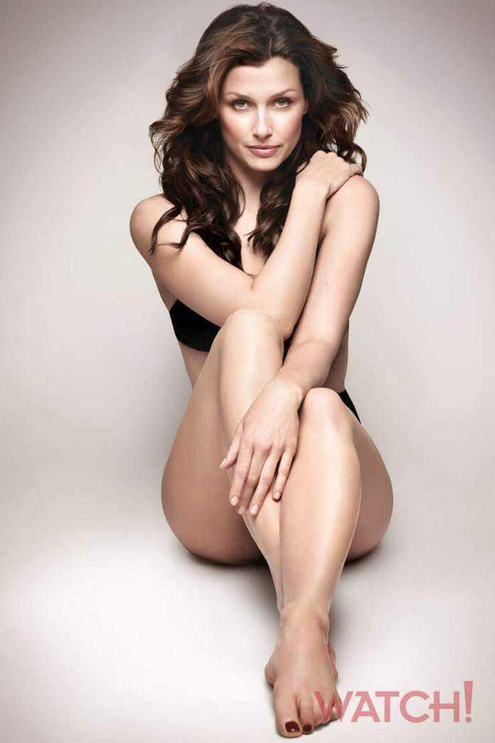 Bridget Moynahan sexy feet