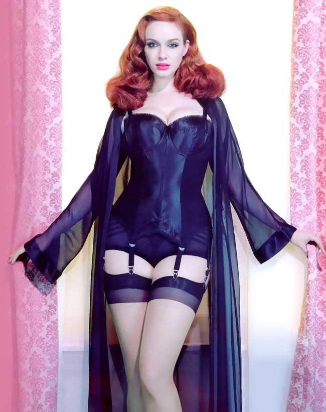 Christina Hendricks sexy pics (1)