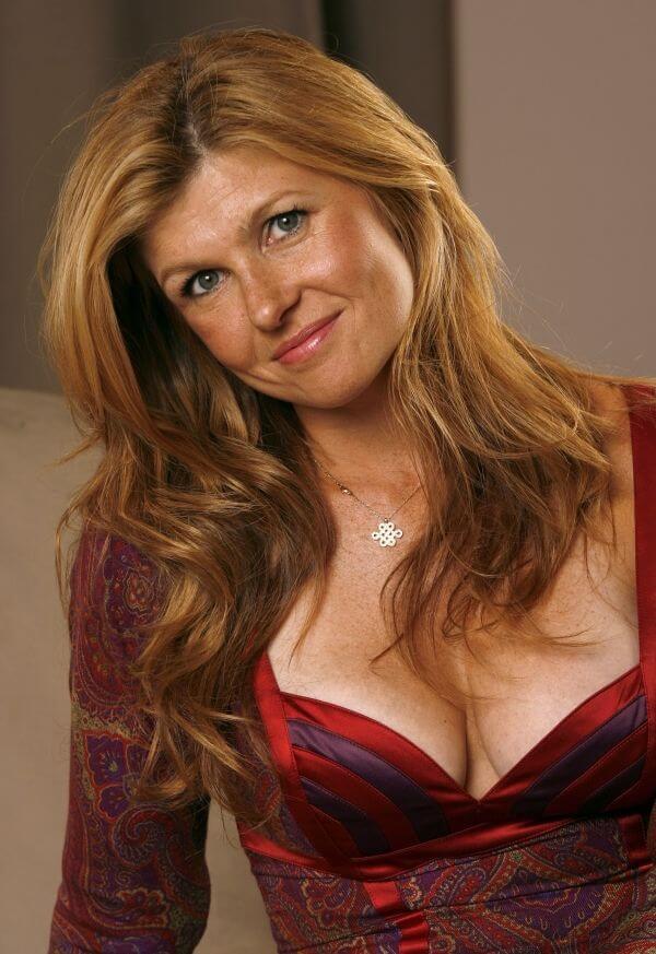 Connie-Britton-cleavage