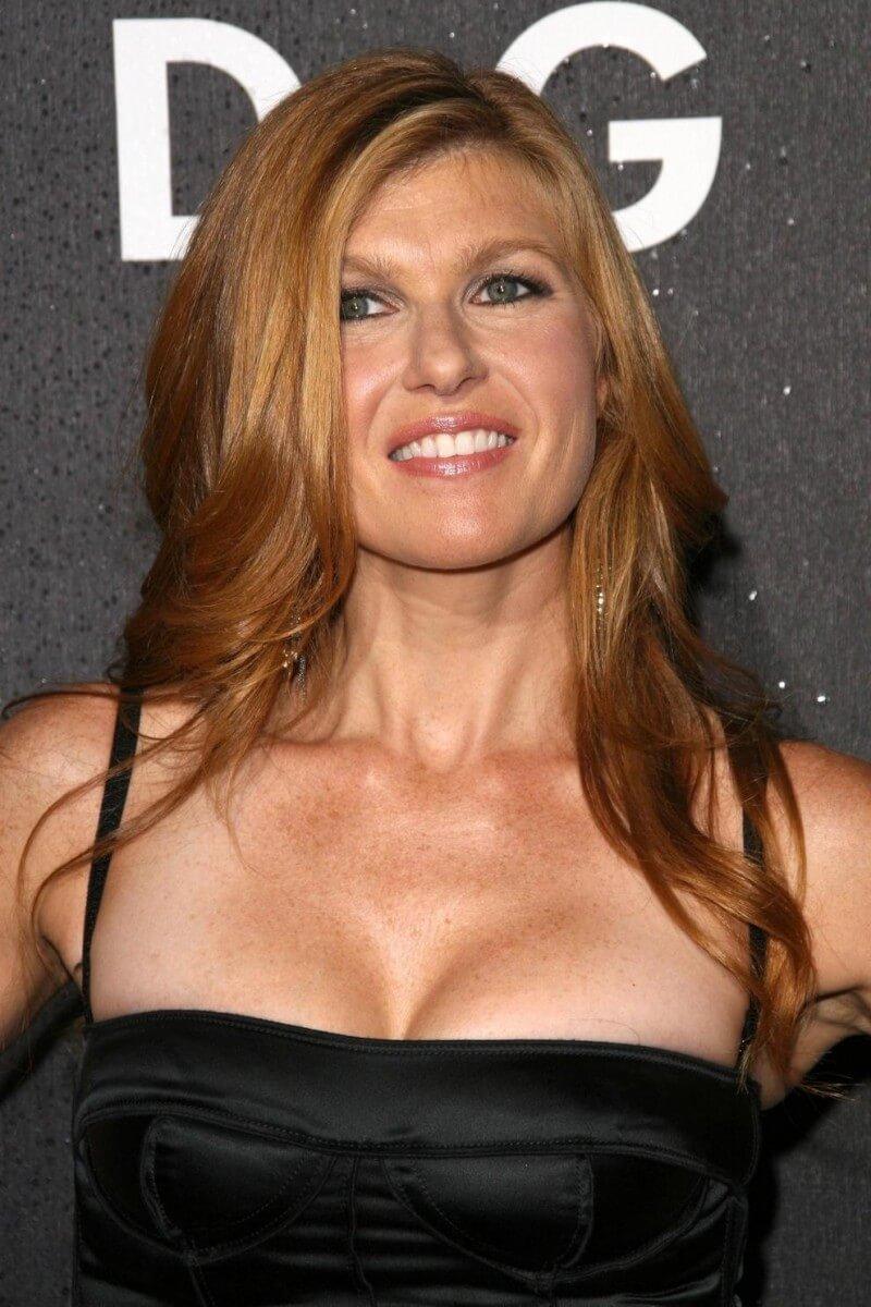 Connie-Britton-hot-cleavage