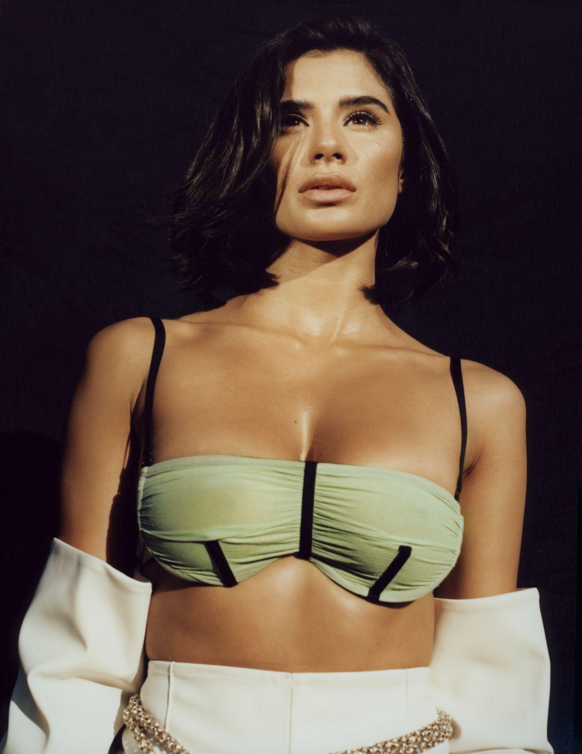 Diane Guerrero bra