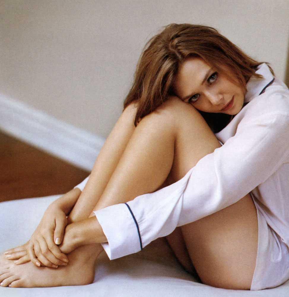 Elizabeth Olsen bare feet