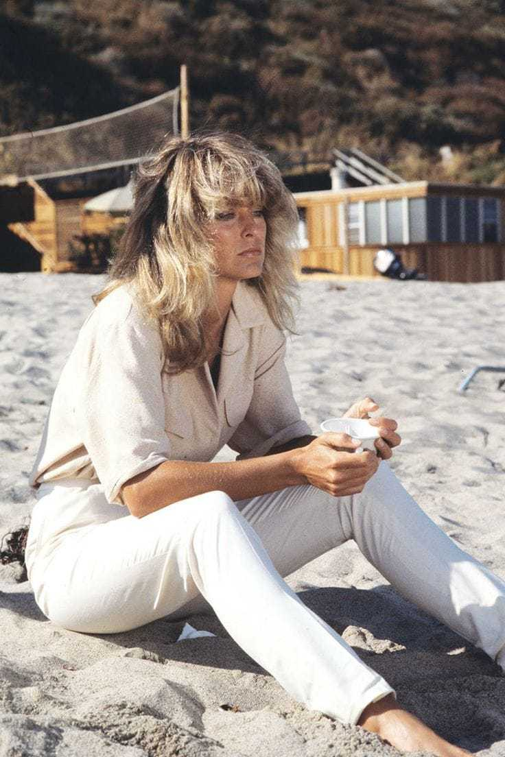 61 Farrah Fawcett Sexy Pictures Which Make Certain To Prevail Upon Your Heart - GEEKS ON COFFEE