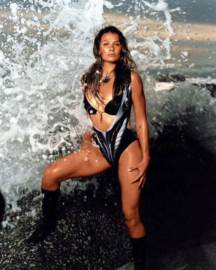 Franziska van Almsick side boobs