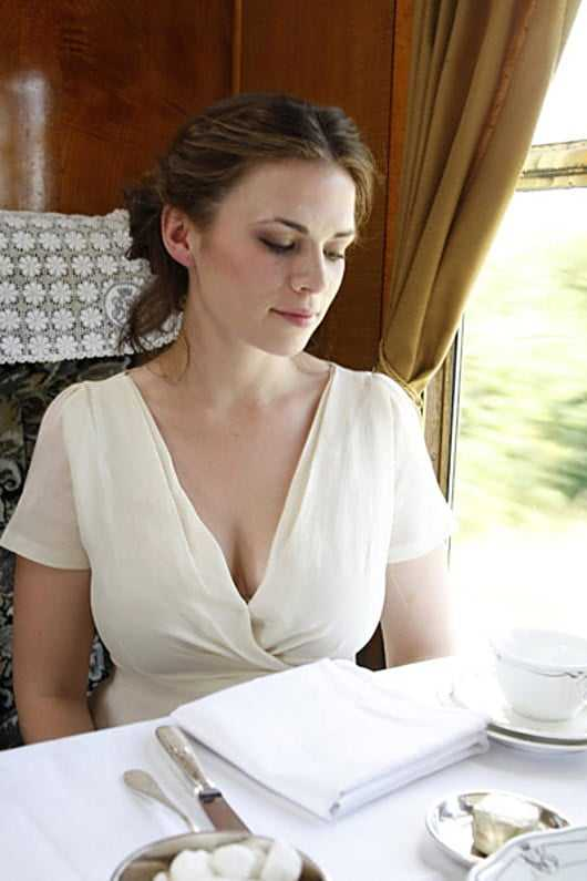 Hayley Atwell sexy photos (2)
