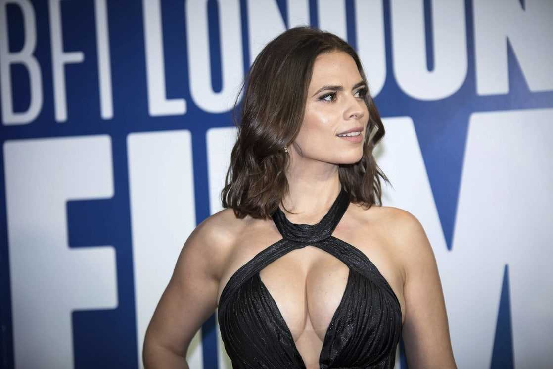 Hayley Atwell sexy pics (1)