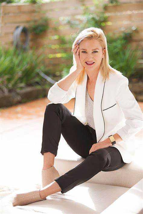 Hayley Holt stunning (1)