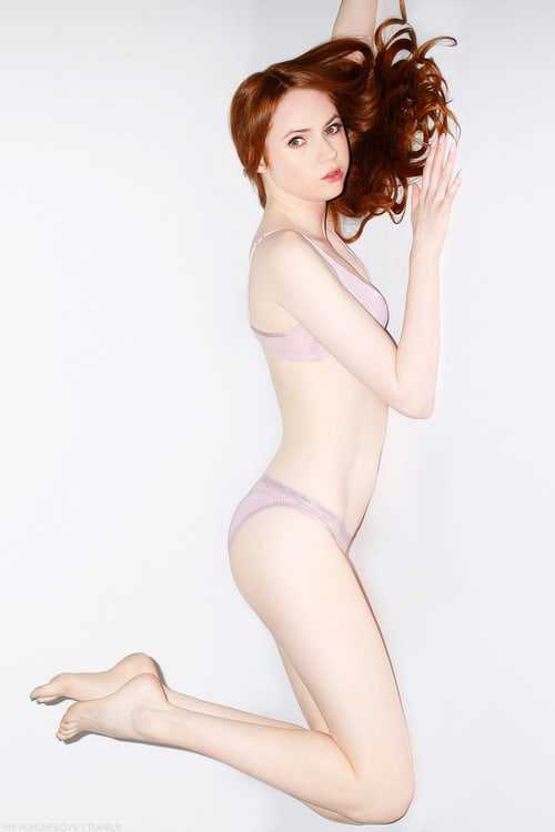 Karen Gillan sexy pics (1)