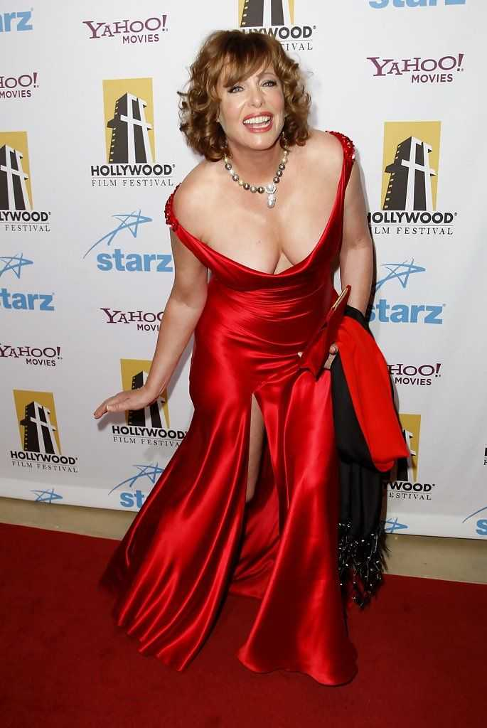 Kelly LeBrock hot cleavage