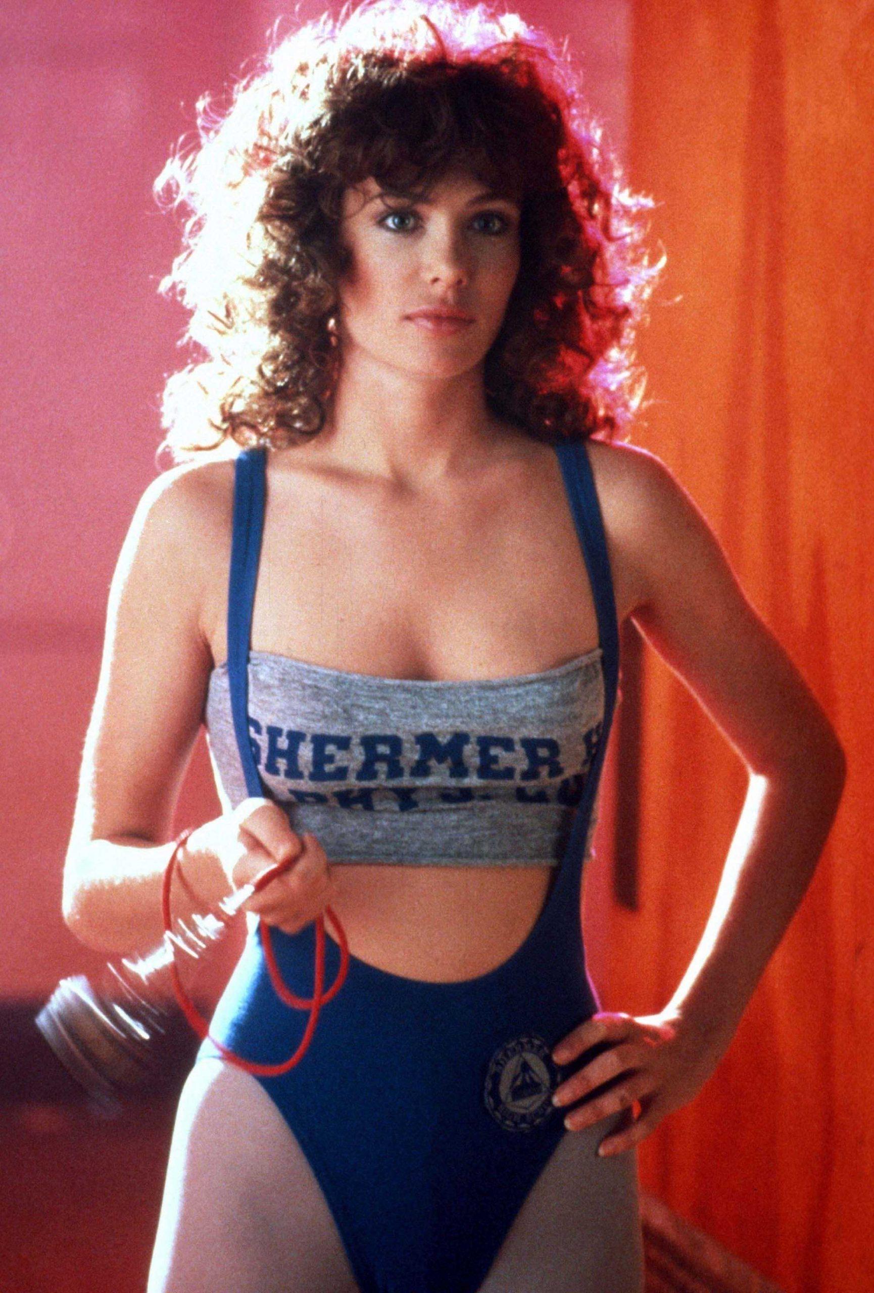 Kelly LeBrock sexy bikini