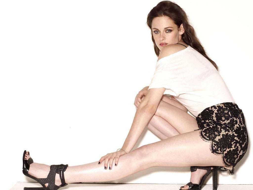 Kristen Stewart hot pics (1)