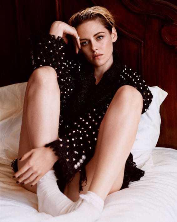 Kristen Stewart sexy pics (1)