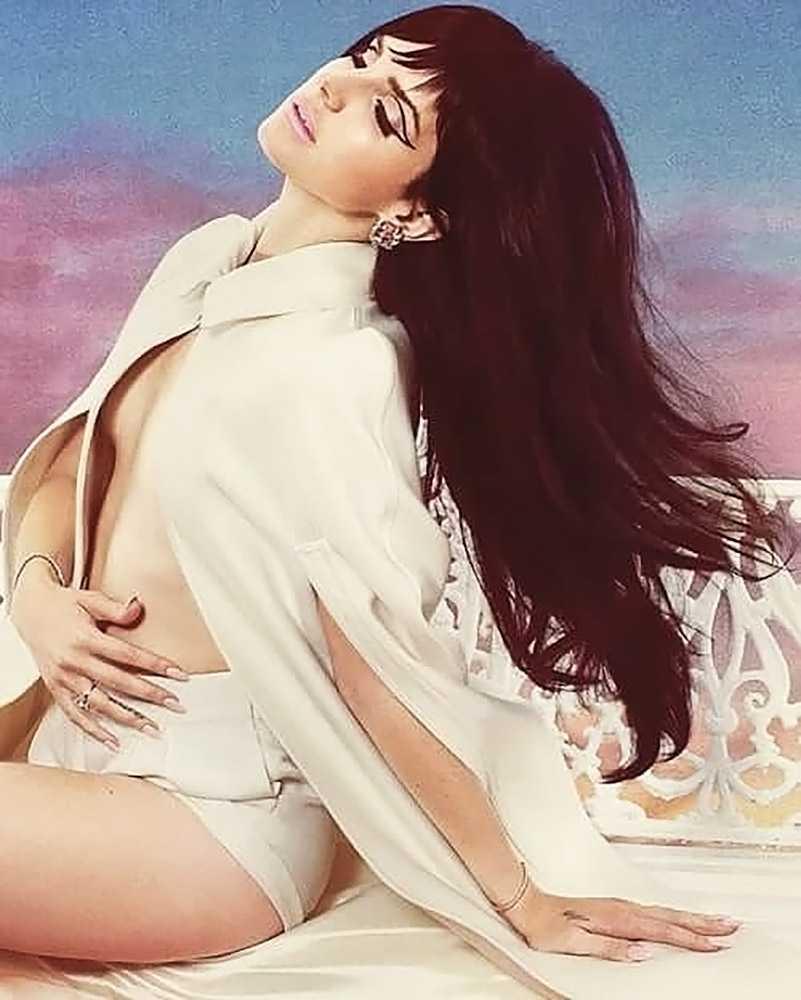 Lana Del Rey ass
