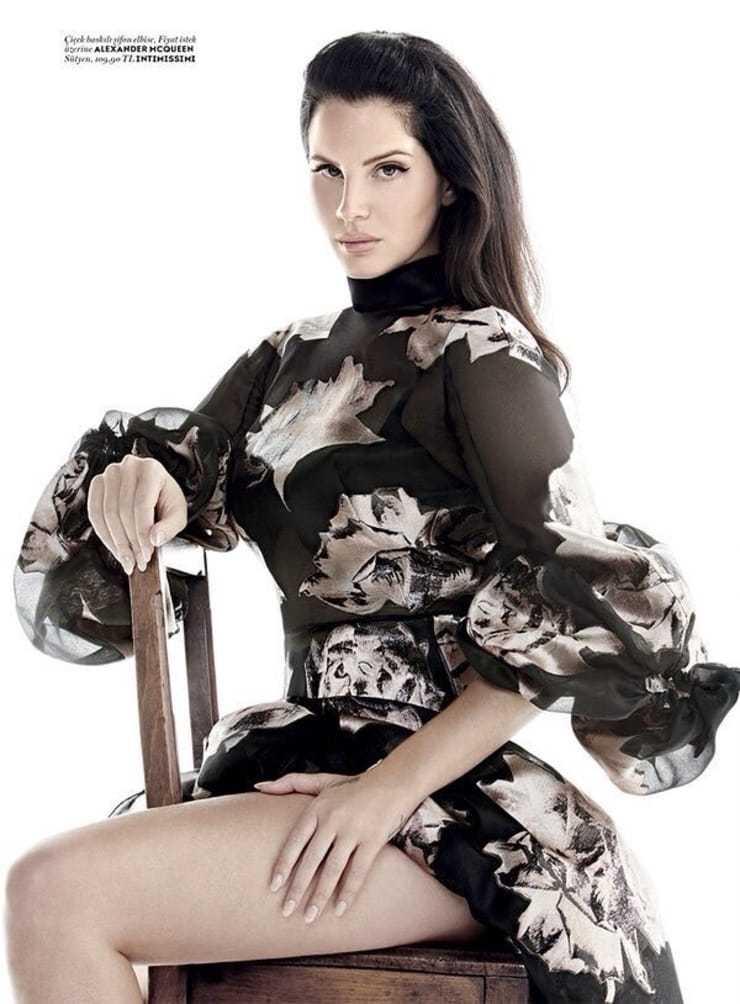 Lana Del Rey big booty