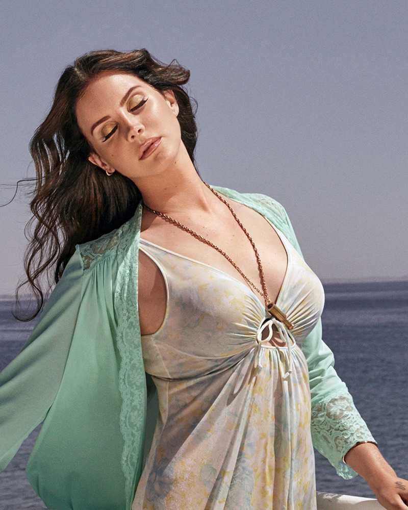 Lana Del Rey hot pics (2)