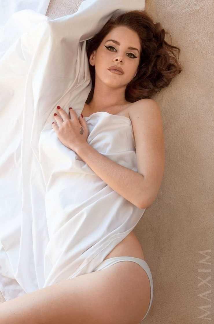 Lana Del Rey sexy pics (1)