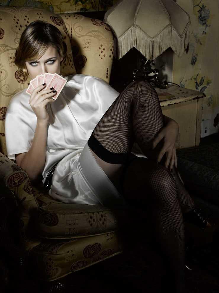 Leelee Sobieski hot photos (2)
