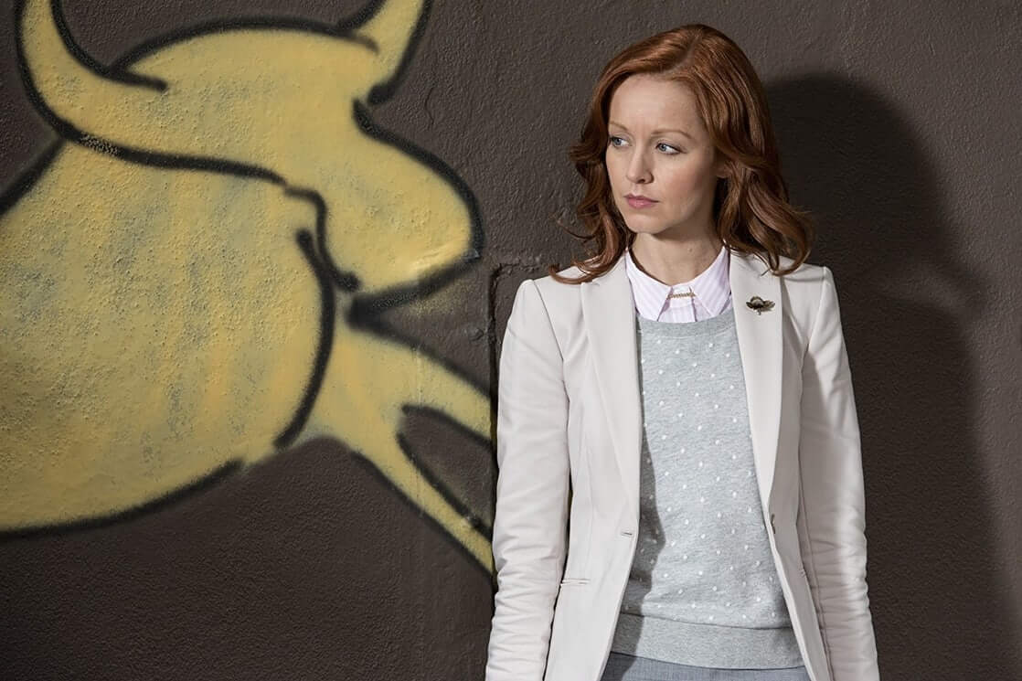 Lindy Booth dress