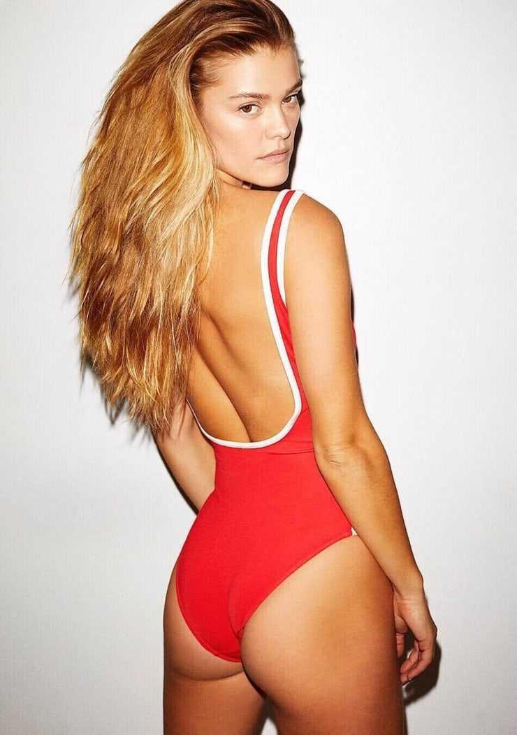 Nina Agdal ass