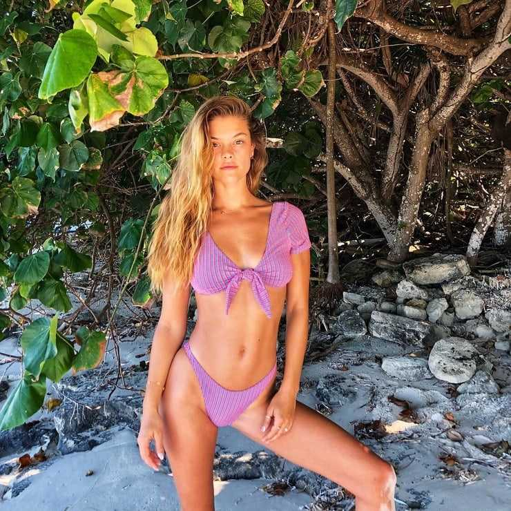 Nina Agdal hot pics (2)